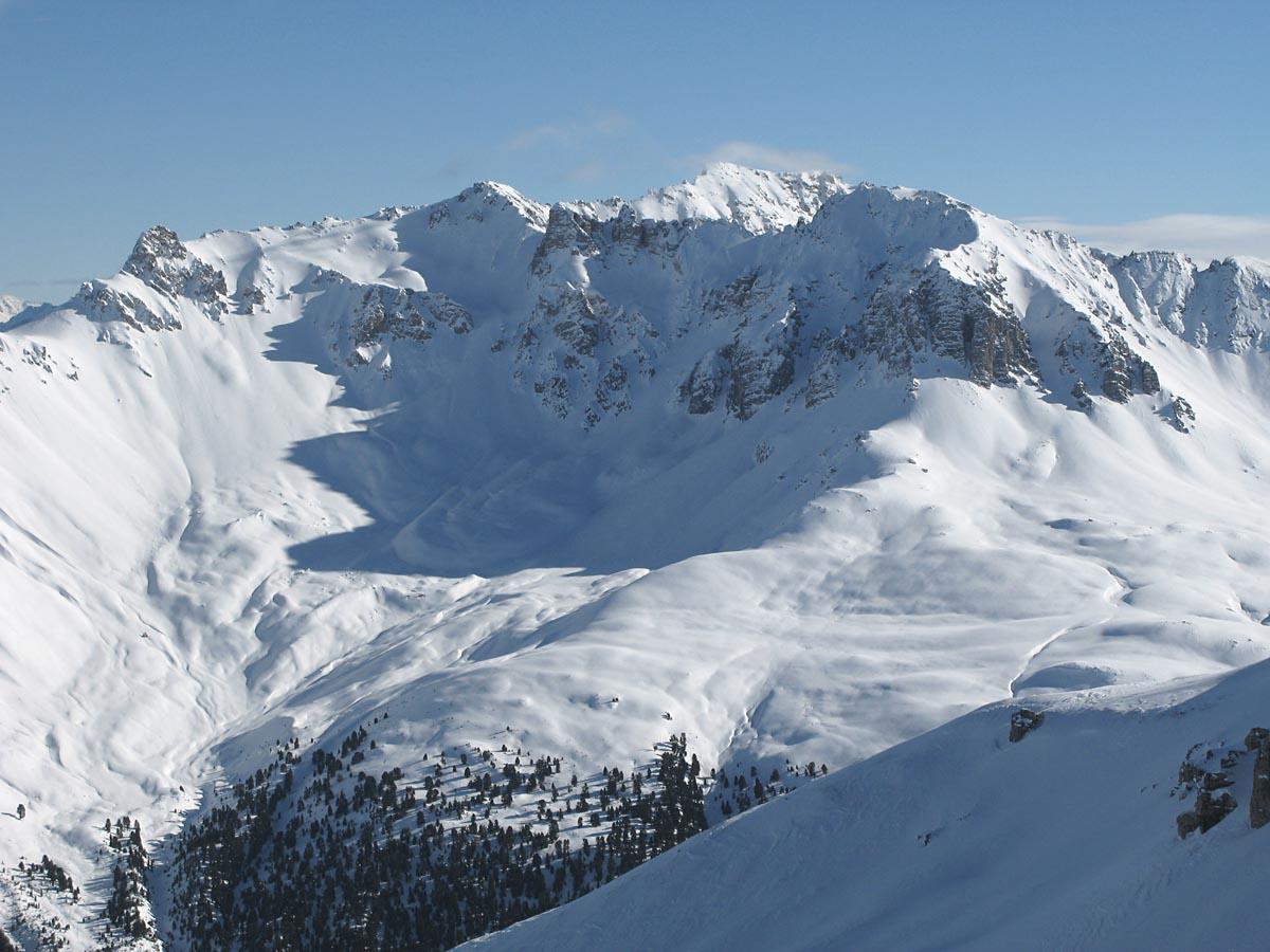 Vista aérea - Monte San Lorenzo (Cochrane) - junto al Valle del mismo nombre